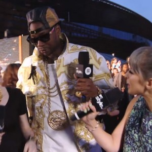 MTV Video Music Awards Red Carpet Report With Grimes
